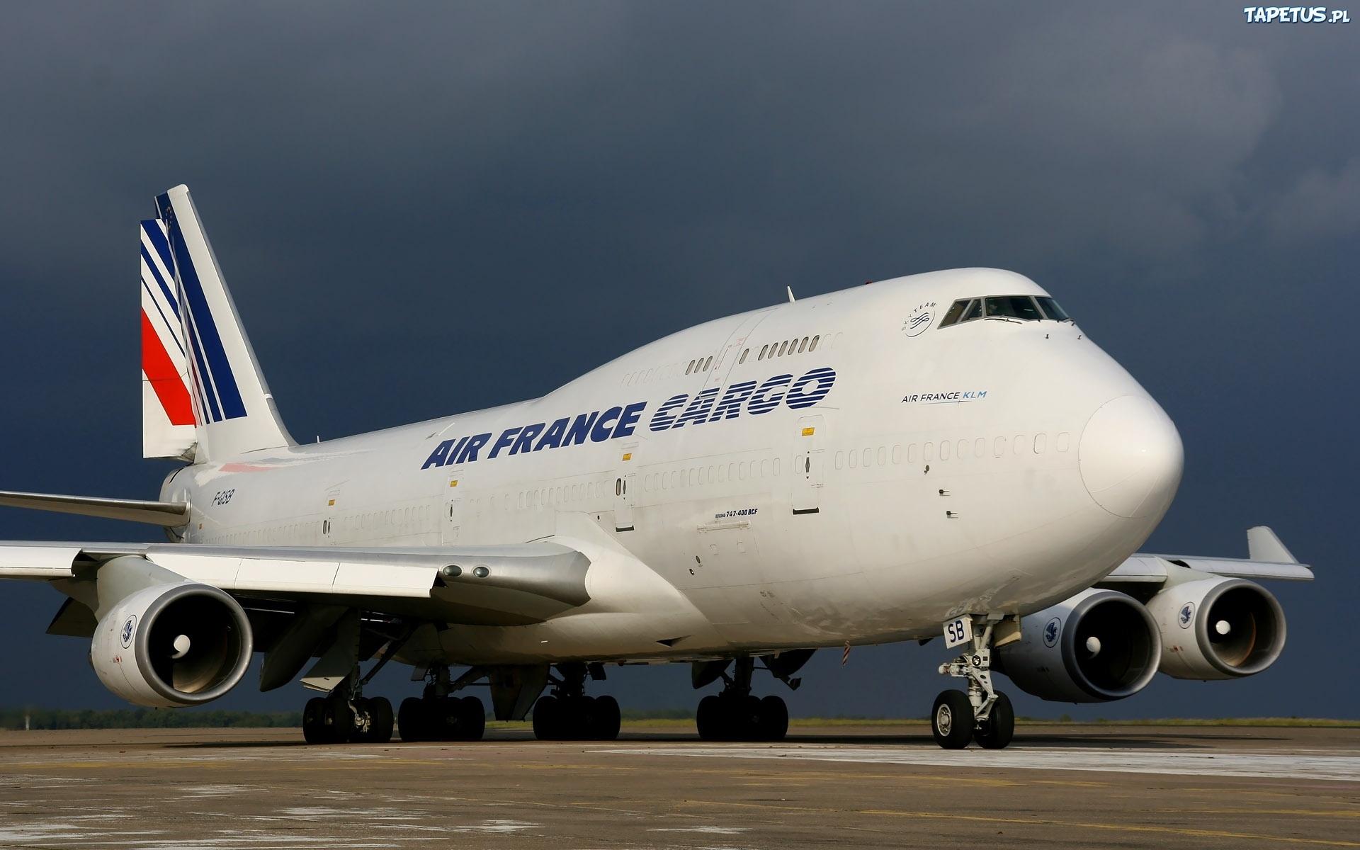 https://www.teachwithfergy.com/wp-content/uploads/2015/07/57740_boeing-747-400-jumbo-jet.jpg